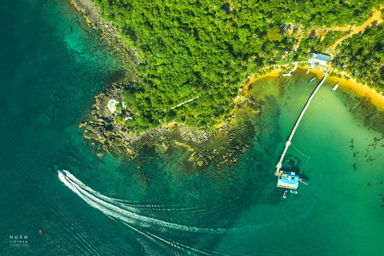 Vẻ đẹp biển đảo Phú Quốc nhìn từ trên cao. Ảnh: Ngô Trần Hải An