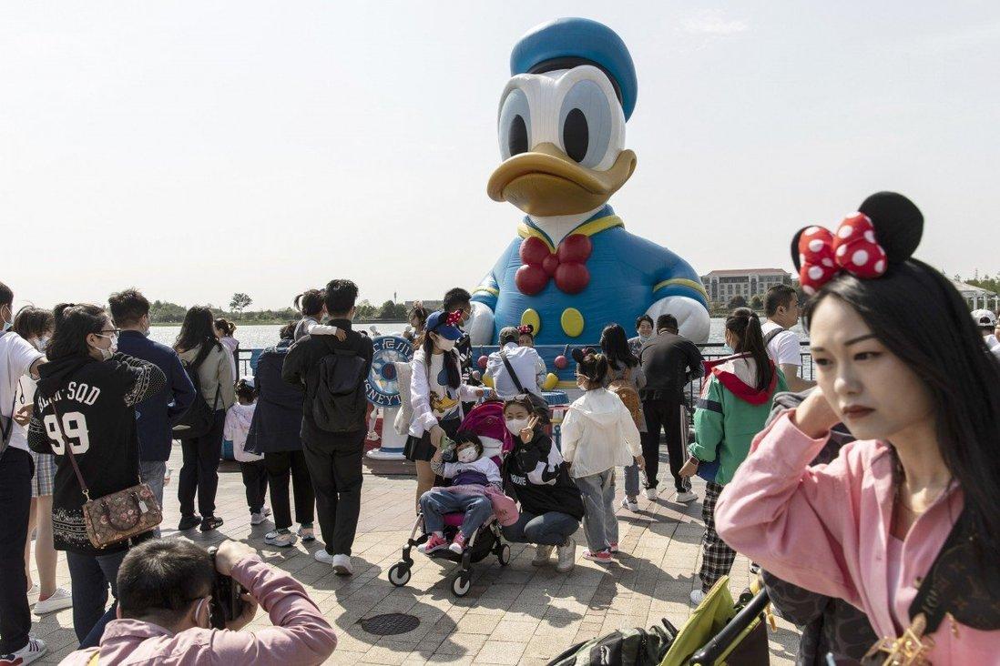 Du lịch nội địa Trung Quốc có xu hướng hồi phục trước kỳ nghỉ tết Trung thu. Ảnh: Bloomberg