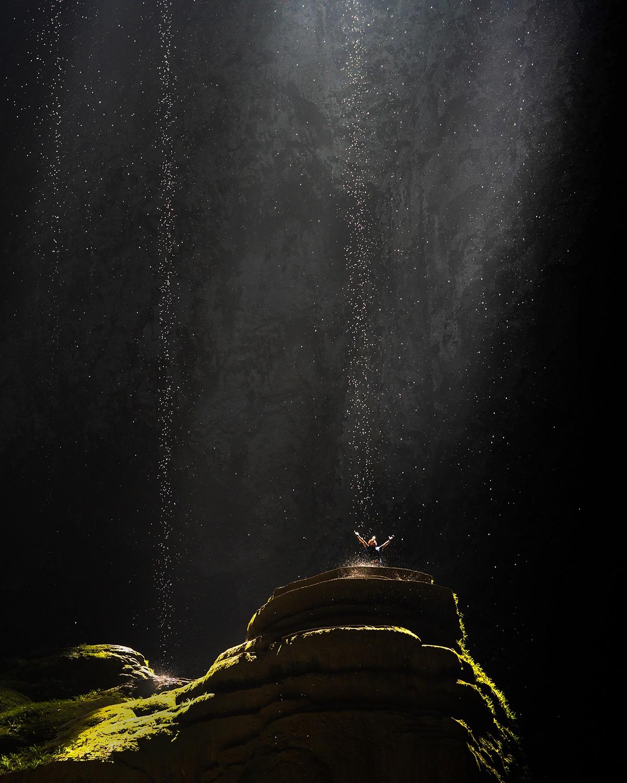 Oxalis đã chuẩn bị chiến dịch truyền thông mới nhất cho tour mạo hiểm hang động năm 2022. Trong đó giá tour Sơn Đoòng giảm còn 58,2 triệu đồng. Ảnh: Trần Tuấn Việt
