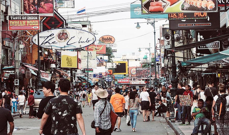Khao San, Bangkok trước khi đại dịch bùng phát. Ảnh: Flickr