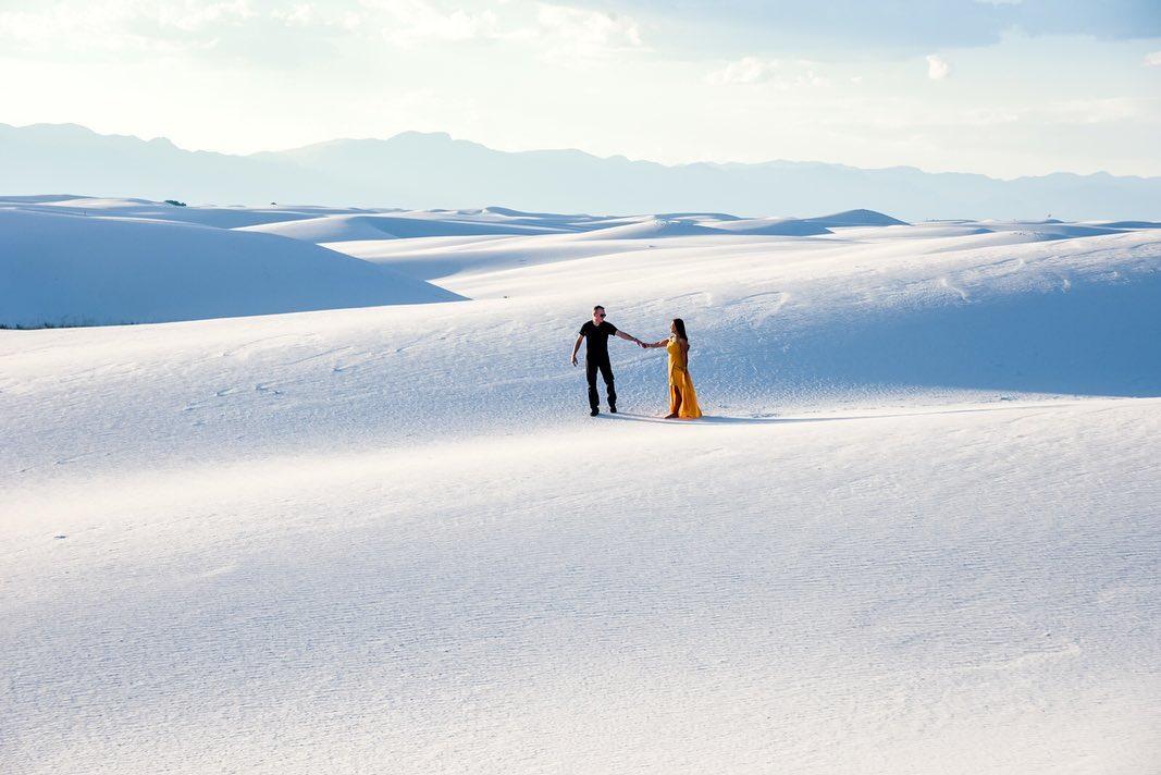 Đồi cát có màu trắng xóa như tuyết. Ảnh: @arcticexplorer007/Instagram
