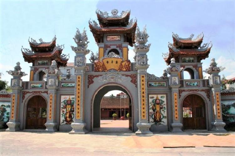 Cổng Tam Quan ở chùa Kim Đài. Ảnh: Làng Đình Bảng/Facebook