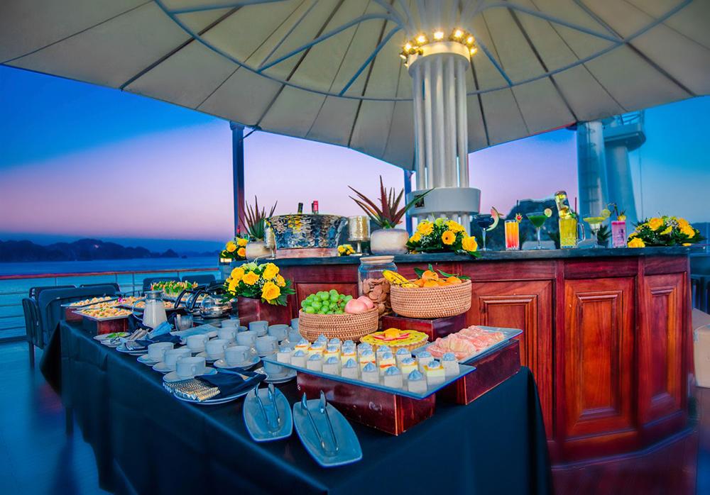 Tiệc Canapé phong vị châu Âu mang tới trải nghiệm ẩm thực đẳng cấp trên Paradise Elegance