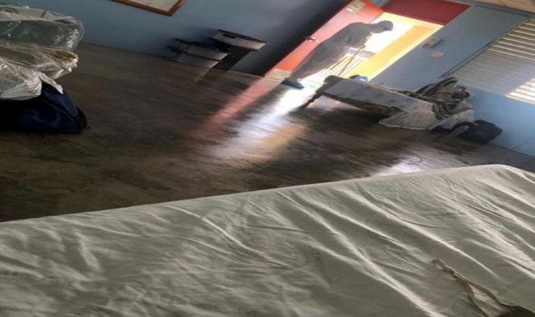 Cơ sở cách ly miễn phí tại Barbados tuy không đầy đủ như ở khách sạn tư nhân, nhưng đều có những thứ cơ bản để phục vụ người nhiễm nCoV lưu trú. Ảnh: MyLondon
