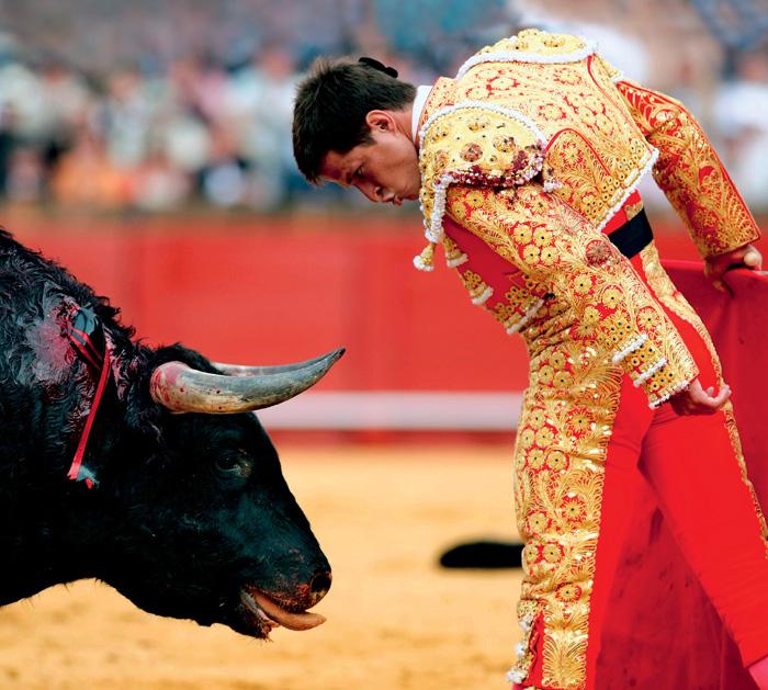 Người đấu sĩ bò tót được xem là thể hiện nhiều phẩm chất đáng quý của người Tây Ban Nha. Ảnh: Reuters/Vostock Photo