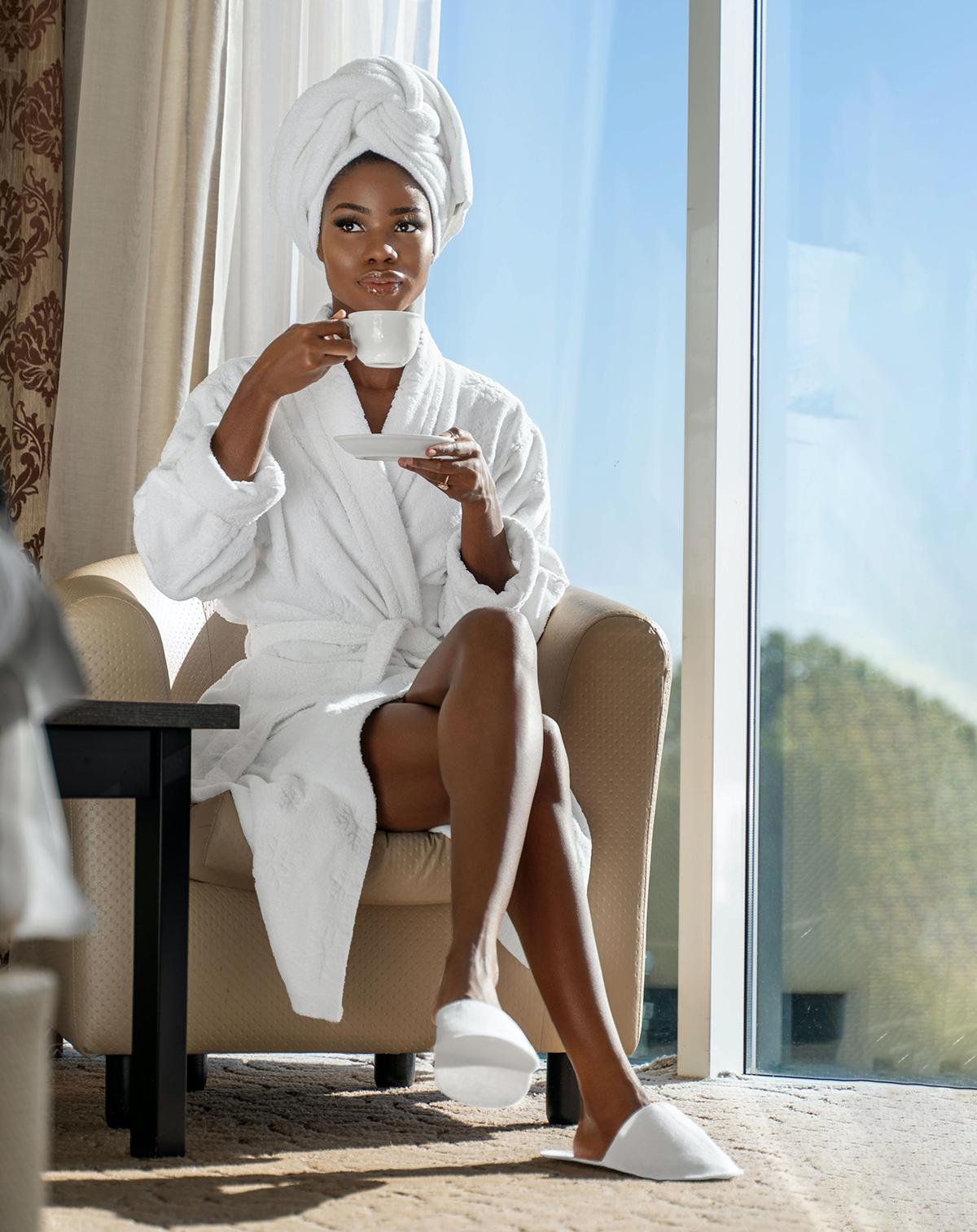 Áo choàng tắm là vật mà nhiều du khách thích đem về. Ảnh: Unsplash