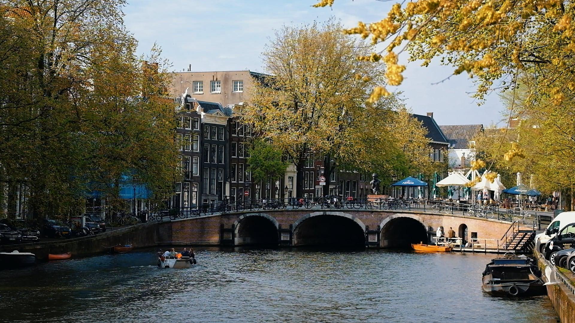 Một góc kênh đào ở Amsterdam. Ảnh: NVCC