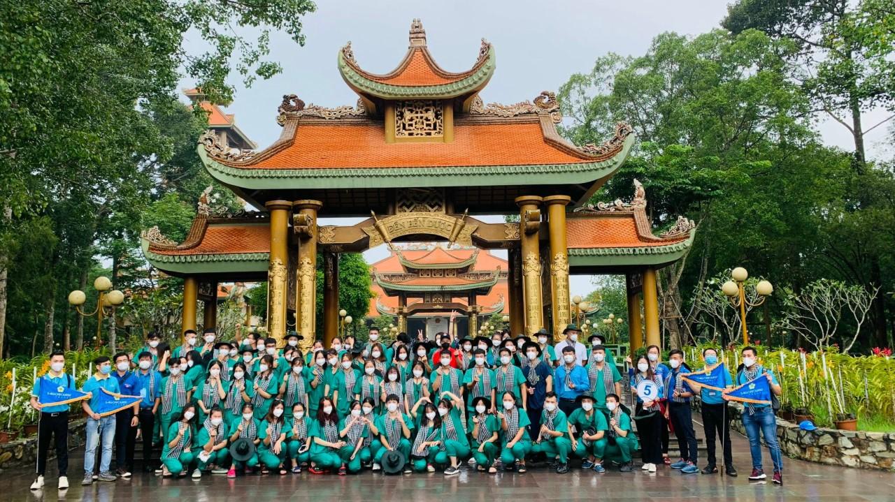 Lữ hành Saigontourist tổ chức 8 tour tri ân dành cho y bác sĩ với hơn 1.000 lượt khách tại Củ Chi và Cần Giờ.