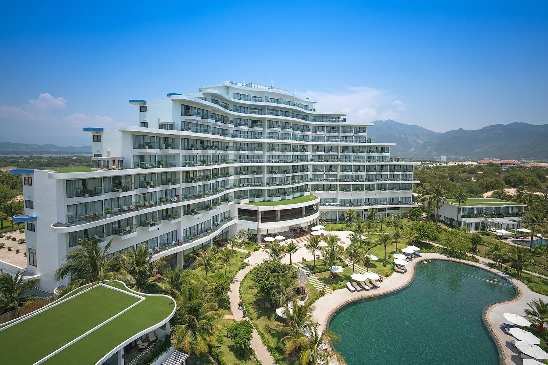 Khu nghỉ dưỡng 5 sao đón khách trong chương trình khép kín đến Khánh Hòa. Ảnh: Cam Ranh Riviera